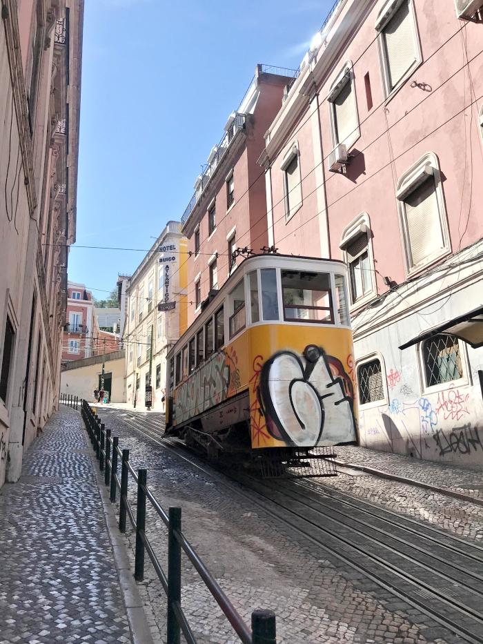 Gloria tram